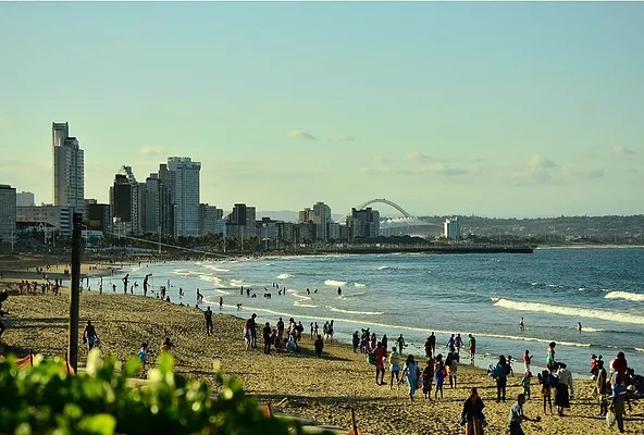 North Beach is one of the beaches of Durban South Africa; it's bordered by 2 large piers and has a marine parade that goes up to the Golden Mile. It has amazing surfing conditions and has facilities for surfing, body boarding, paddle ski, skateboarding, plain swimming and sun bathing.