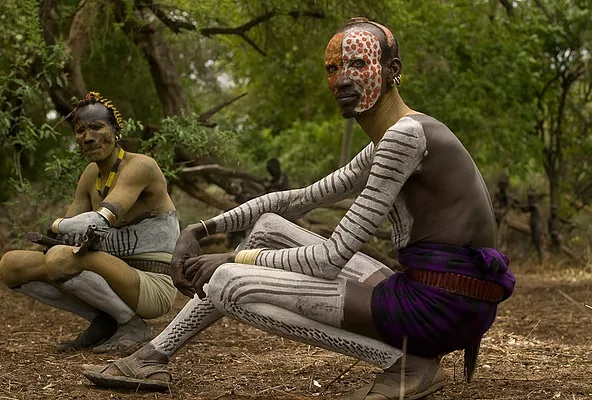 The Karo are undeniably artistic by nature. Among other things, they are known for their alluring and intricate body and face painting.